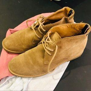 Tommy Hilfiger Suede Zakry Round Toe Chukka Boots